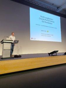 Martin Klier presenting at DOAG 2019